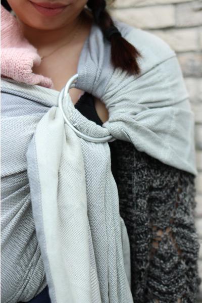 yaro-newborn-grey-ring-sling (4)