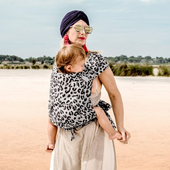 fly-tai-mei-tai-baby-carrier-leopard-silver-baby_2