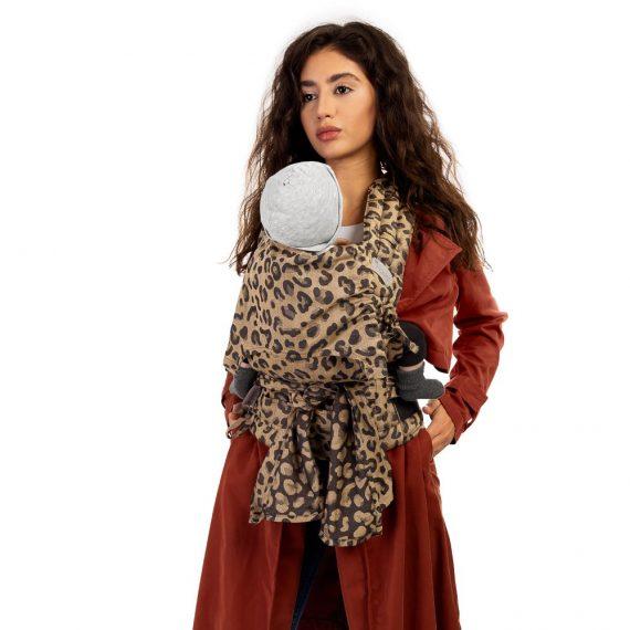 fidella-flyclick-halfbuckle-baby-carrier-leopard-gold-baby_5